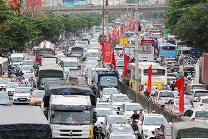 Giao thông căng thẳng tại hai thành phố lớn sau nghỉ lễ