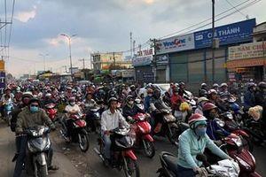 Người dân tấp nập trở lại TP Hồ Chí Minh sau kỳ nghỉ lễ