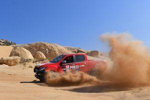 Hấp dẫn đua xe thể thao địa hình trên sa mạc Mũi Dinh