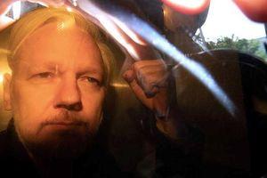 Anh kết án nhà sáng lập WikiLeaks Assange 50 tuần tù