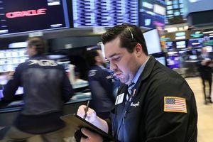 S&P 500 lập kỷ lục mới, chốt 4 tháng tăng liên tục