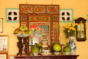 Bàn thờ gia tiên người Việt Nam Bộ