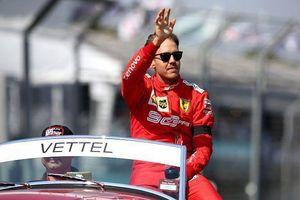 Tay đua F1 đội Ferrari chê bai chiến thắng của đối thủ Mercedes