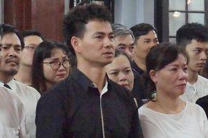 Nhói lòng tiễn biệt nạn nhân vụ xe Mercedes tông tử vong ở hầm Kim Liên