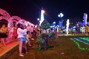 Quảng Bình: Dân 'tố' doanh nghiệp rào 'cấm cửa' công viên để kinh doanh