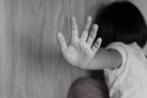 Nghi án bé gái hai năm bị 2 ông lão xâm hại tình dục