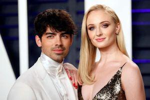 Sao phim 'Game of Thrones' bất ngờ tổ chức đám cưới với Joe Jonas
