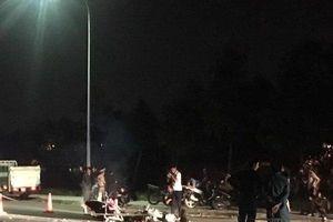 Hai xe máy đối đầu nát bét, hai người thương vong
