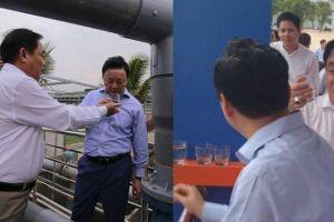 Ông Dũng 'lò vôi' tự tin uống ly nước thải sau xử lý trước mặt Bộ trưởng Trần Hồng Hà