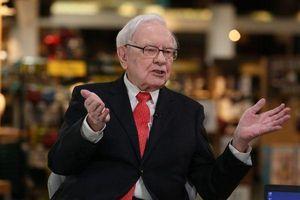Tỷ phú Warren Buffett thường có bao nhiêu tiền trong ví?