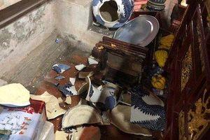Đối tượng nghi 'ngáo đá' đập phá tượng phật, bát hương ở Chùa Dâu