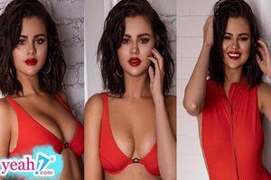 Combo: tóc rối, môi đỏ và áo khoe ngực chính là sức hút 'chết người' của Selena Gomez