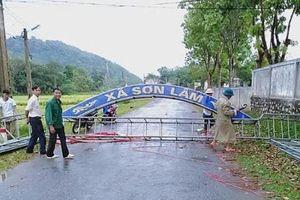 Hà Tĩnh: Lốc xoáy kèm mưa lớn làm tốc mái hàng trăm ngôi nhà, hoa màu bị hư hại