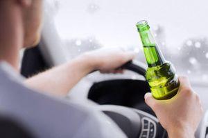 Say rượu lái xe, người vi phạm bị phạt đi bộ 32 km