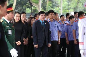 Đoàn Tổng LĐLĐ Việt Nam viếng nguyên Chủ tịch Nước Lê Đức Anh