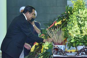 Nhiều đoàn quốc tế đến viếng nguyên Chủ tịch nước, đại tướng Lê Đức Anh