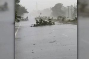 Bão dữ Fani tấn công Ấn Độ, cả triệu người sơ tán