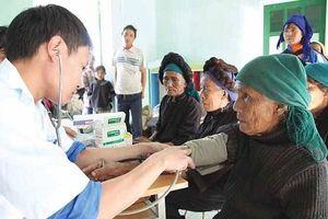 Bảo hiểm y tế: Điểm tựa về sức khỏe cho người cao tuổi