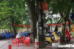 Ngang nhiên 'cướp vỉa hè', mở quán nhậu gần 3 bệnh viện lớn ở Hà Nội