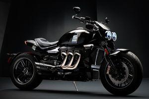 Triumph thách thức Ducati với môtô độc lạ Rocket 3 TFC giá 29.000 USD