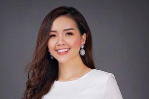 Á khôi Nét đẹp sinh viên 2019 trổ tài catwalk
