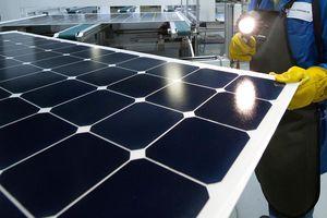 Thiếu hụt thành phần làm xe điện, pin năng lượng mặt trời