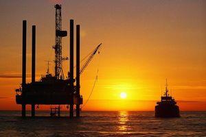 Giá dầu thế giới 4/5: Khép tuần giao dịch tăng nhẹ