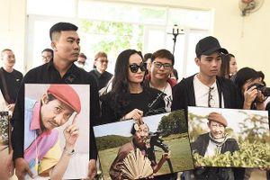 Người thân, đồng nghiệp khóc thương đưa tiễn cố nghệ sĩ Lê Bình