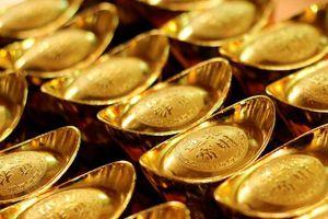 Giá vàng lao xuống mức đáy 4 tháng, nhà đầu tư có xu hướng bán ra