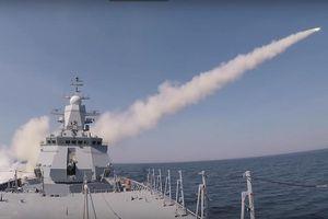 Tàu chiến Nga phóng tên lửa phá hủy mục tiêu trên biển Baltic