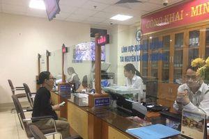 Công sở Hà Nội làm việc nghiêm túc trong ngày làm bù sau nghỉ lễ