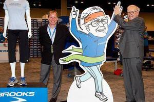 Hãng giày của Warren Buffett muốn chuyển nhà máy sang Việt Nam