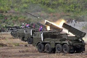 Campuchia khoe pháo phản lực phóng loạt cực mạnh