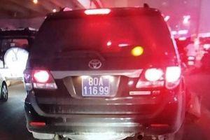 Xe biển xanh 80A gây tai nạn tại Nguyễn Xiển: 'Có thể mang biển số giả'