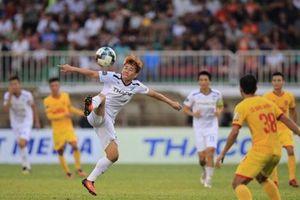 Kết quả V-League: HAGL thoát nhóm báo động, Hà Nội nguy cơ mất ngôi đầu