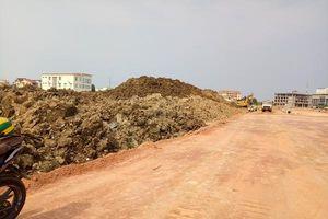 Quảng Bình: Đổ hàng nghìn khổi đất phong hóa lên ruộng dân của dân