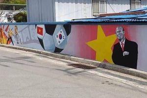 Loạt tranh bích họa U23 Việt Nam tại Hàn Quốc gây xôn xao CĐM