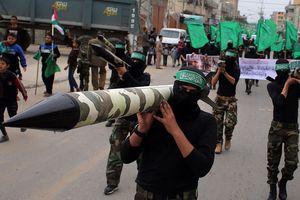 Israel ném bom tiêu diệt cả hang ổ của hacker Hamas