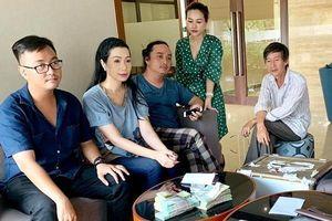 Gia đình nghệ sĩ Lê Bình từ thiện gần 300 triệu đồng tiền phúng điếu