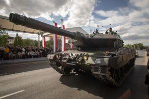 Kỷ niệm 15 năm gia nhập NATO, Ba Lan duyệt binh lớn chưa từng thấy