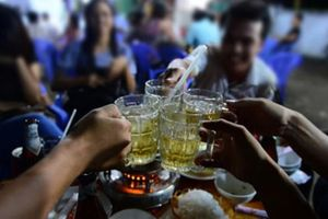 Cà Mau: Dân tố 12 cán bộ xã bỏ nhiệm sở đi nhậu trong giờ hành chính