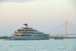 Siêu du thuyền 150 triệu USD của tỷ phú Anh xuôi dòng tới Cần Thơ