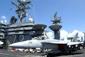 Mỹ cử tàu sân bay đến 'dằn mặt' Iran
