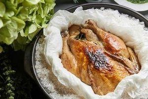 Tò mò món gà nướng muối phải dùng búa đập ở Thổ Nhĩ Kỳ