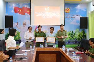 Công an Bình Phước tặng bằng khen cho 3 công dân truy bắt trộm