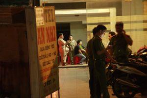 TP HCM: Nam thanh niên đâm bạn gái rồi tự tử trong nhà nghỉ