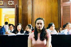 Xét xử trùm ma túy Văn Kính Dương: Đối diện án tử, 'hot girl' Ngọc Miu khai có 2 con