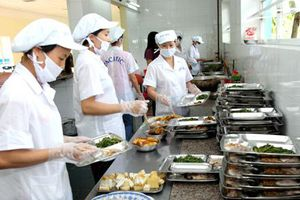 TP. HCM: An toàn thực phẩm tại bếp ăn tập thể có nhiều chuyển biến