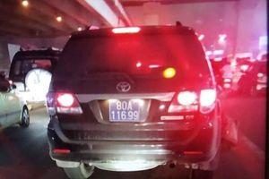 Tài xế lái xe ô tô biển xanh gây tai nạn ra trình diện