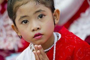 Sắc màu huyền bí trong những bức ảnh mừng Đại lễ Vesak ở các quốc gia Phật giáo